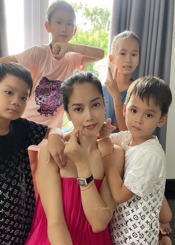 Hoa hau Hai Duong va loat sao Viet chien thang COVID-19 the nao?-Hinh-4