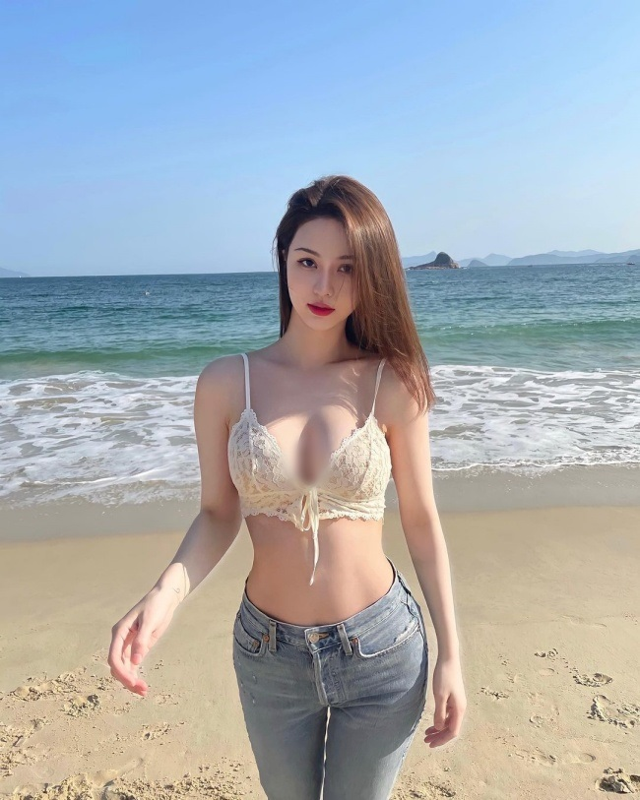 Cac hotmom chau A cuc goi cam, co nguoi mac sexy di hop phu huynh-Hinh-5
