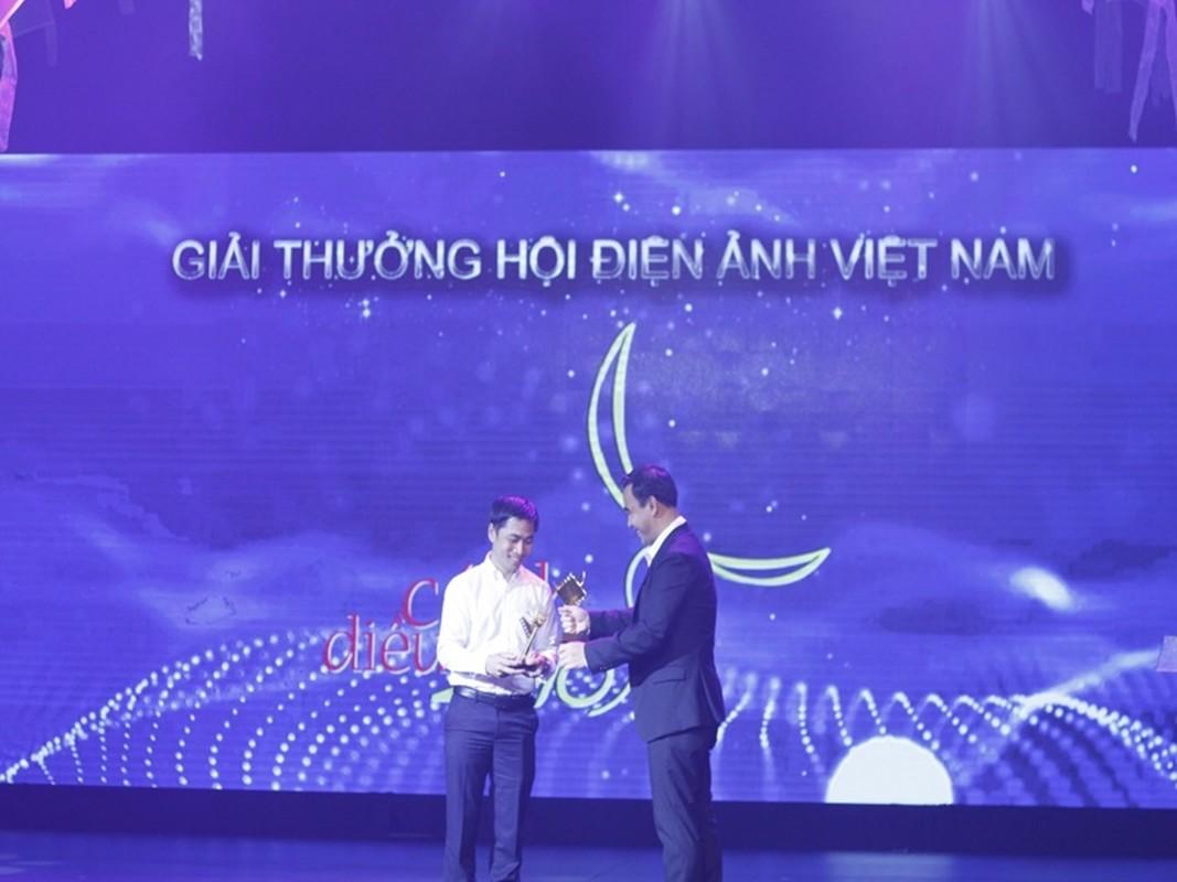 """Chan dung dao dien thuc hien phim """"Ranh gioi"""" ve cuoc chien COVID-19-Hinh-7"""