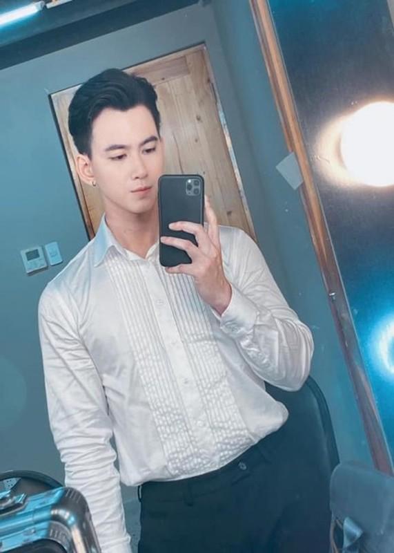 Ve dien trai cua MC Minh Tuan vuong on ao lo anh 18+-Hinh-2