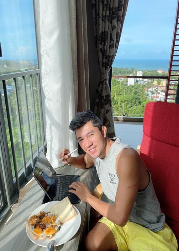 Luong Bang Quang don ve sinh khi bi ket 4 thang o Phu Quoc-Hinh-9