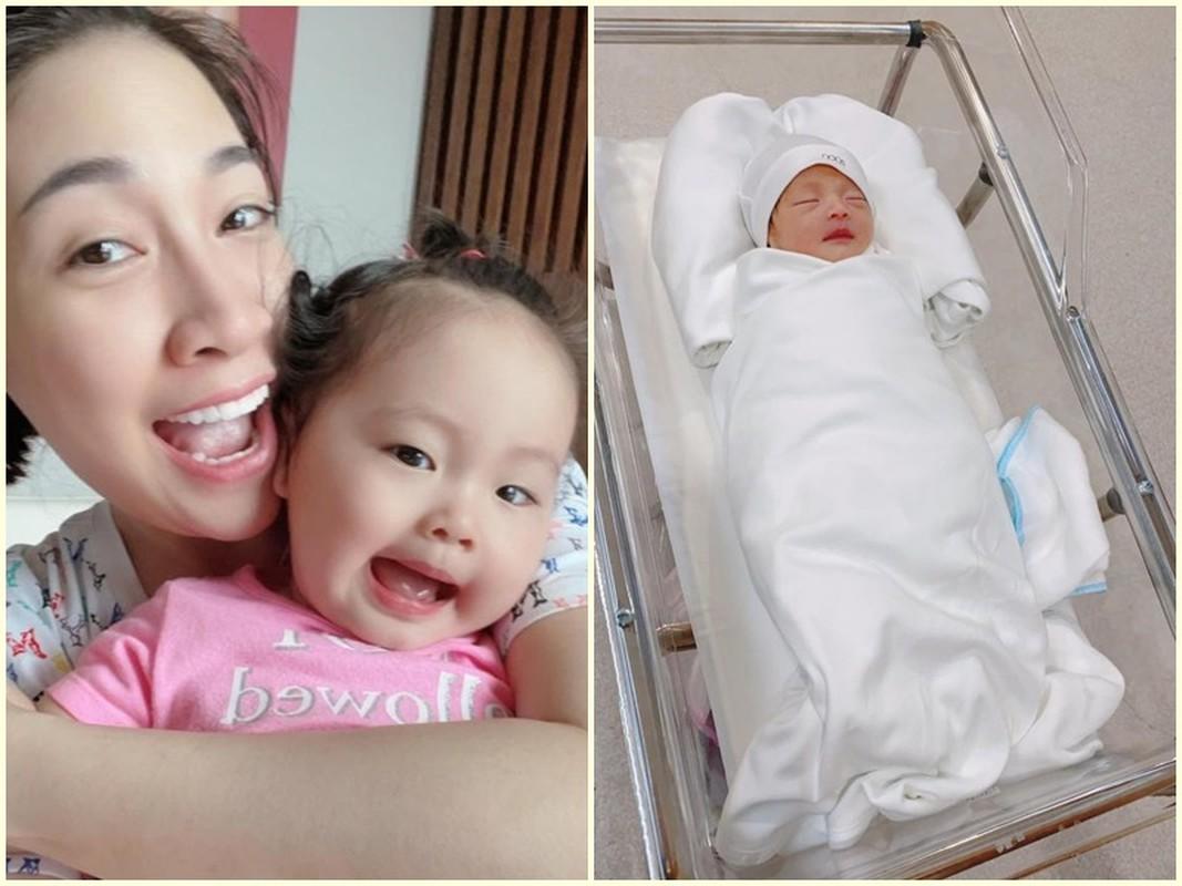 Ho Ngoc Ha ke chuyen sinh non, be Lisa phai dung ong tho-Hinh-10