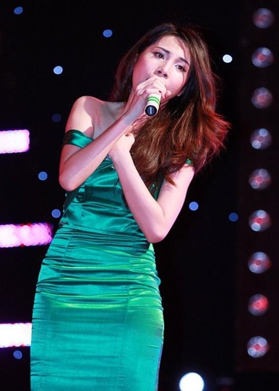 Diem loat on ao cua Thuy Tien tu thoi chua noi den nay-Hinh-2