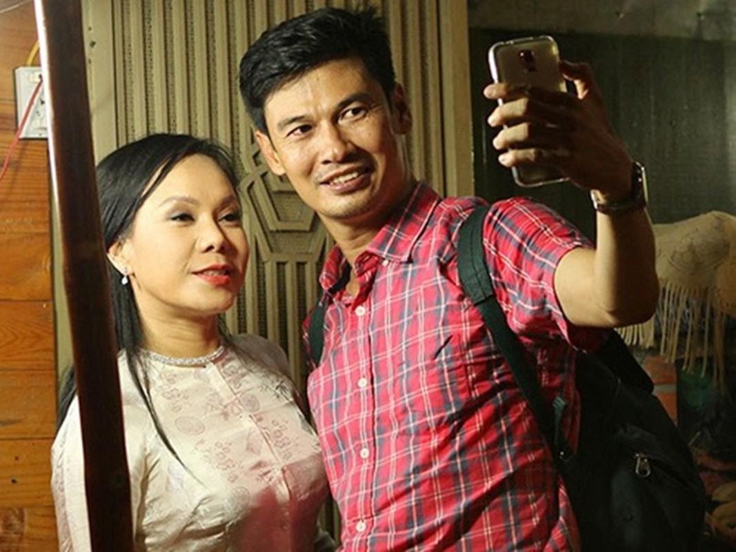 Soi cuoc song hien tai cua nam nghe si tung yeu tham Viet Huong-Hinh-2