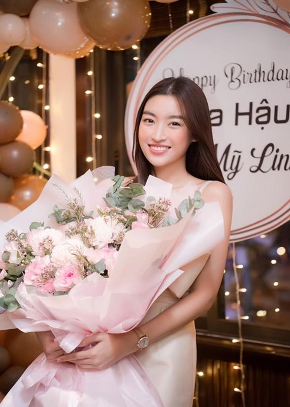 Soi chuyen tinh cam cua HH Do My Linh vua thua nhan dang yeu-Hinh-8