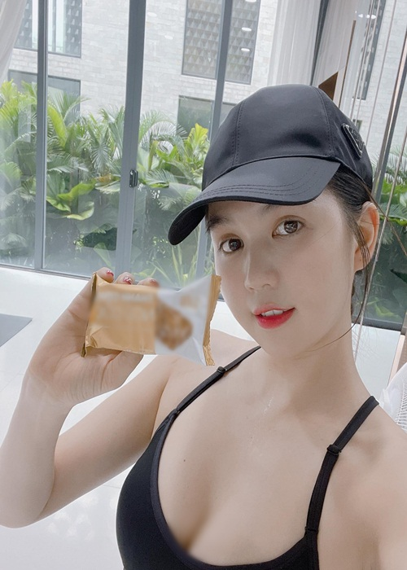 Ngoc Trinh nuot the nao bao Trung khen dep gap 10 Lam Chi Linh?-Hinh-8