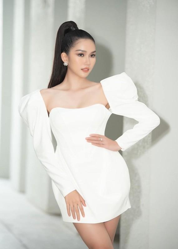 "A hau Phuong Anh nhan hoc bong thac si, ngay cang ""lot xac""-Hinh-9"