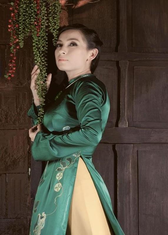 Doi buon chua mot lan mac vay cuoi cua ca si Phi Nhung-Hinh-5
