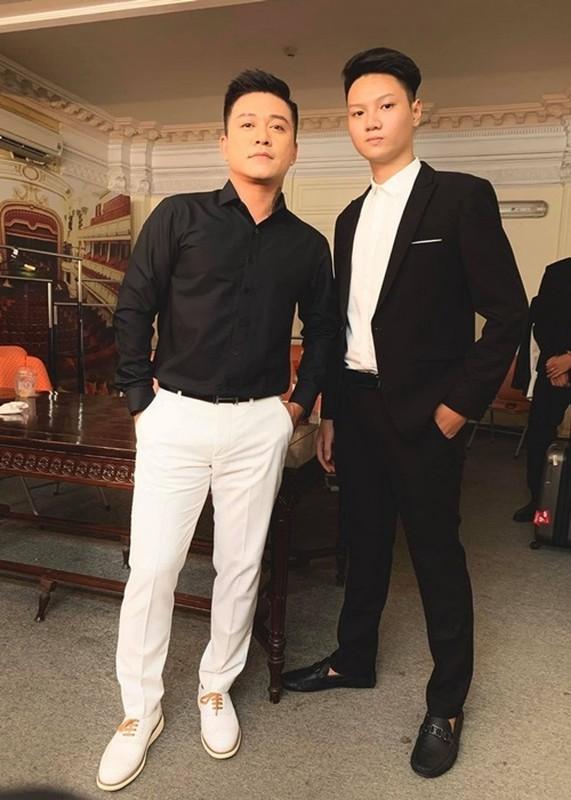 Con trai sieu mau Ha Vy cao gan 1m90 o tuoi 20-Hinh-5