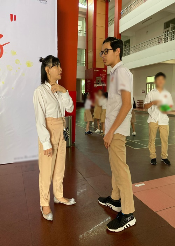 Con trai Cat Phuong - Thai Hoa cao 1m74, ngay cang giong bo-Hinh-3