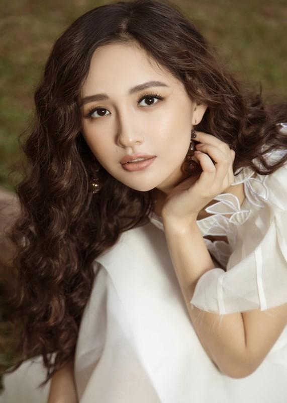 Do trinh 4 hoa hau lam giam khao Miss World Vietnam 2021-Hinh-4