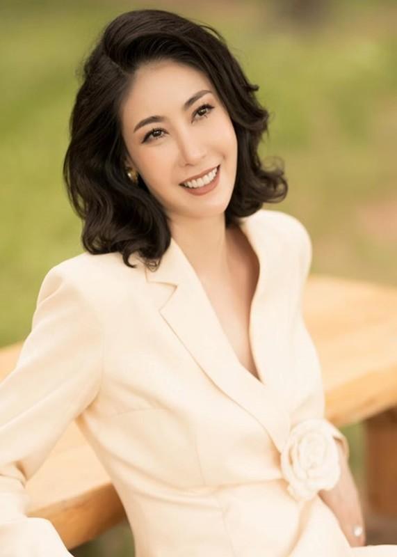 Do trinh 4 hoa hau lam giam khao Miss World Vietnam 2021-Hinh-7
