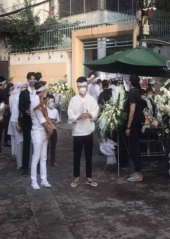 Hoai Linh tieu tuy trong dam tang bo, Dam Vinh Hung co mat-Hinh-3