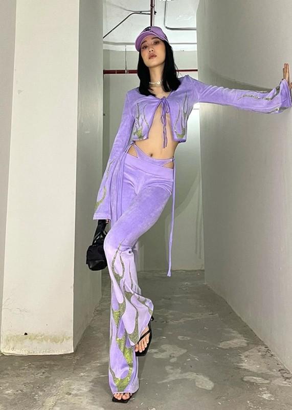 Luong Thuy Linh va loat sao goi cam voi ao cai khuy ho hung-Hinh-5