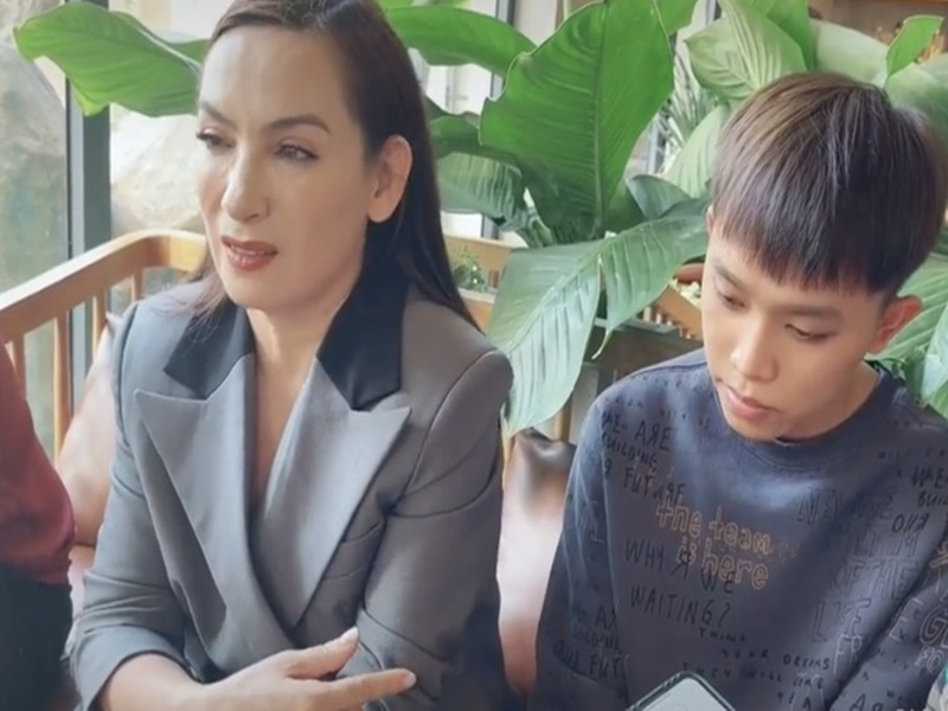 Ho Van Cuong nhan tien, Phi Nhung duoc giai oan, ve troi thanh than!-Hinh-3