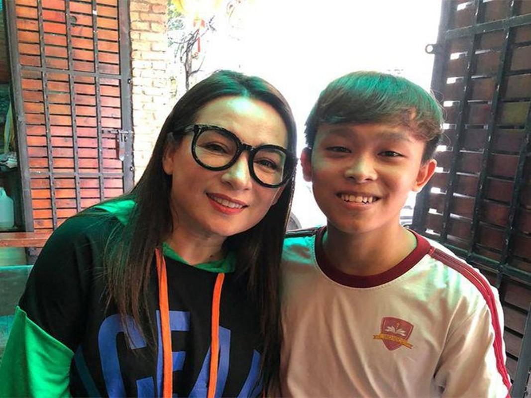 Ho Van Cuong va ket cuc buon chuyen con nuoi showbiz