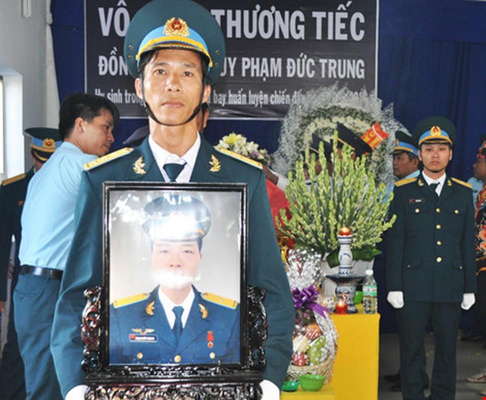 Nghen ngao vinh biet Thieu uy phi cong Pham Duc Trung-Hinh-6