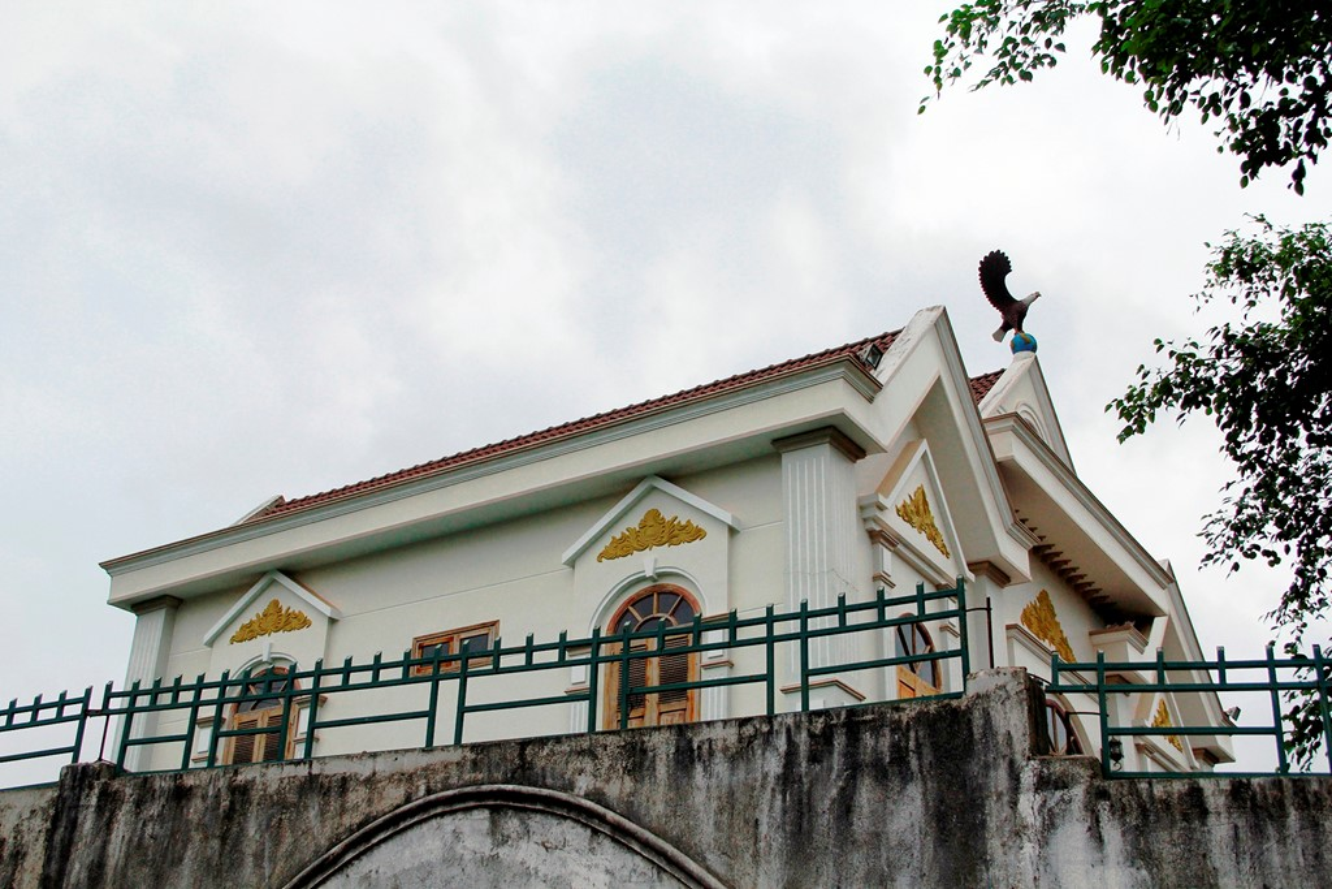 Anh: Biet thu xay trai phep cua gia dinh Pho ban Noi chinh tinh uy-Hinh-6