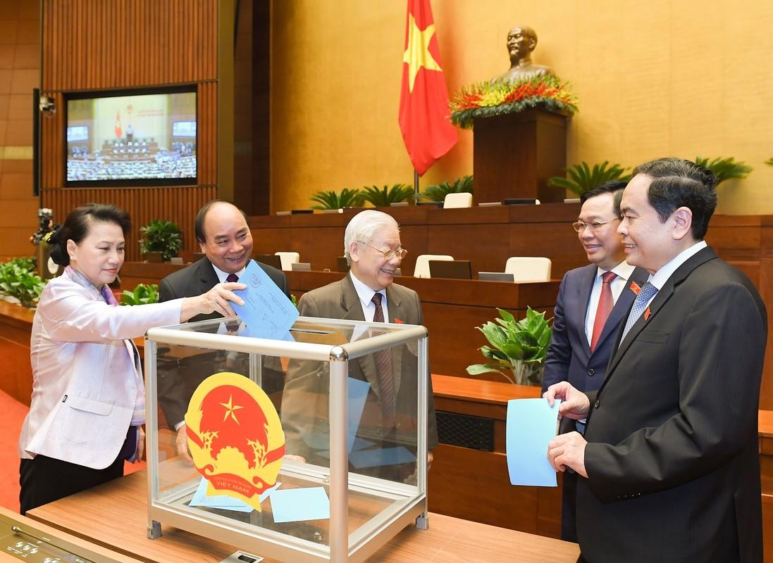 De cu ong Pham Minh Chinh de Quoc hoi bau Thu tuong