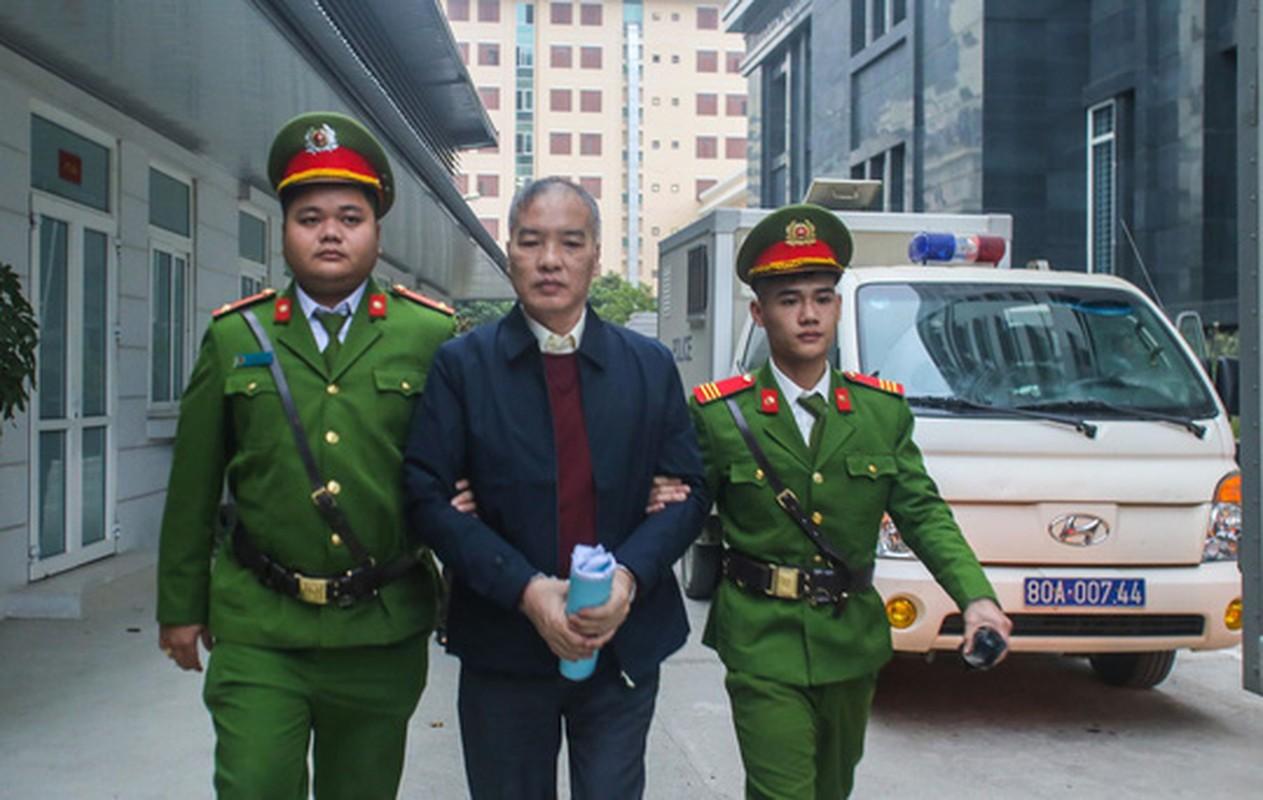 Vu AVG: Le Nam Tra khoc, ong Nguyen Bac Son, Truong Minh Tuan cui dau xau ho tai toa vi nhan hoi lo-Hinh-4