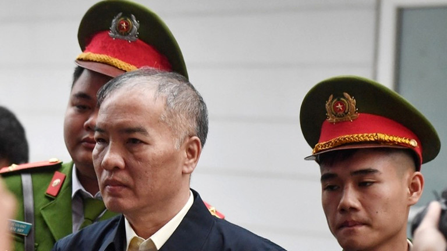 Vu AVG: Le Nam Tra khoc, ong Nguyen Bac Son, Truong Minh Tuan cui dau xau ho tai toa vi nhan hoi lo-Hinh-5