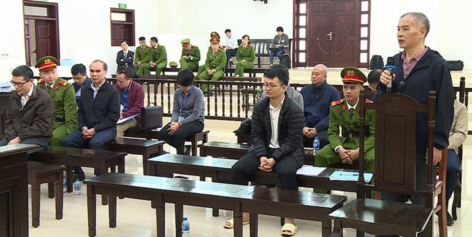 Vu AVG: Le Nam Tra khoc, ong Nguyen Bac Son, Truong Minh Tuan cui dau xau ho tai toa vi nhan hoi lo-Hinh-6