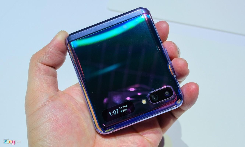 Galaxy Z Flip - cach mang moi cua Samsung - thuc te dep lung linh co nao?-Hinh-5