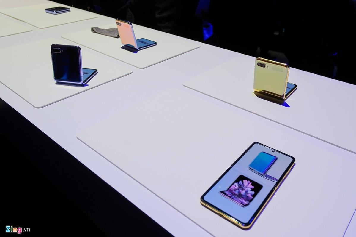 Galaxy Z Flip - cach mang moi cua Samsung - thuc te dep lung linh co nao?-Hinh-9