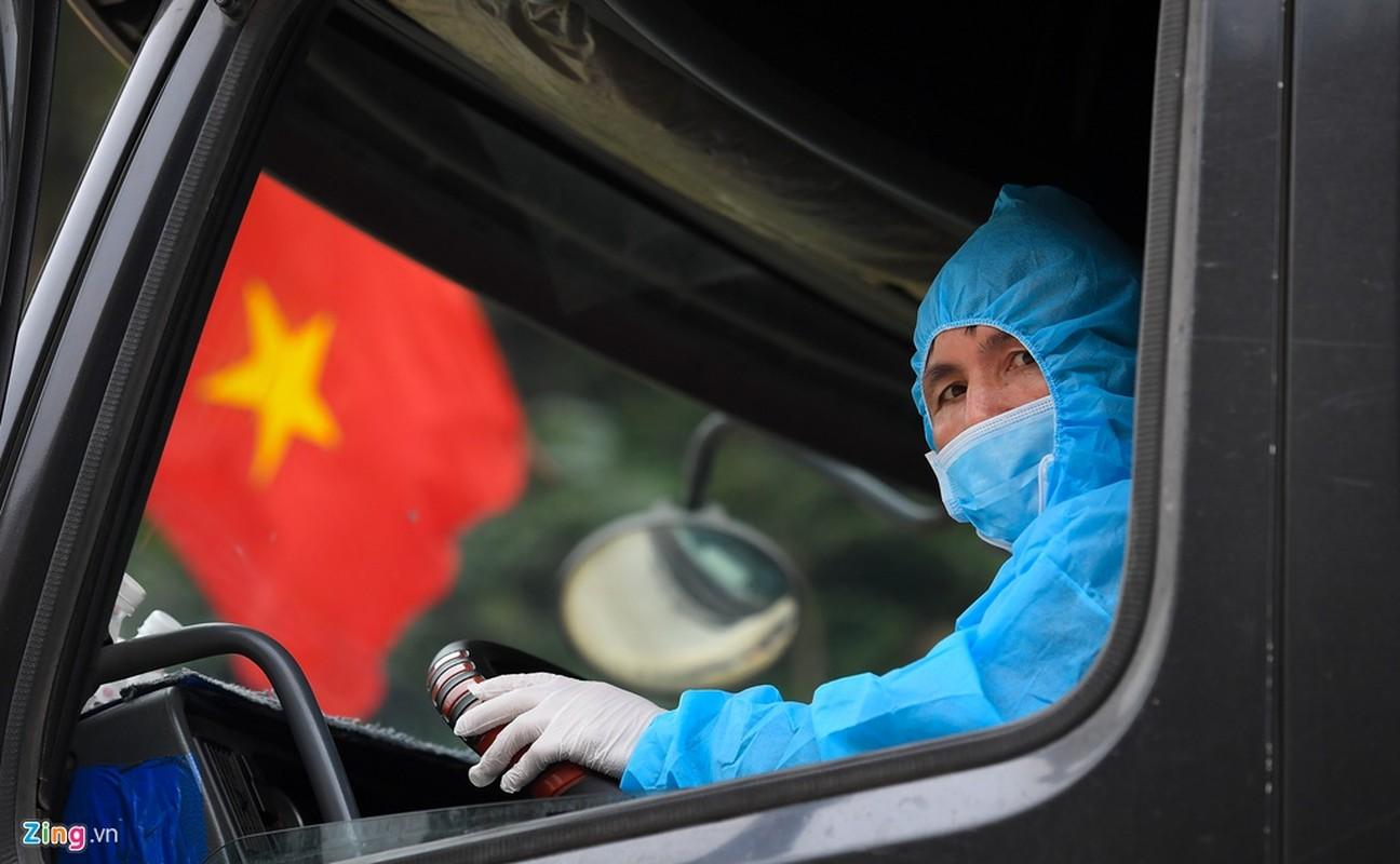 Tai xe nhin an uong, cho hang sang Trung Quoc-Hinh-4