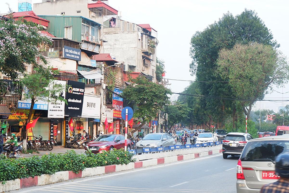 Pho phuong Ha Noi rop co chao mung dai le 30/4-Hinh-11