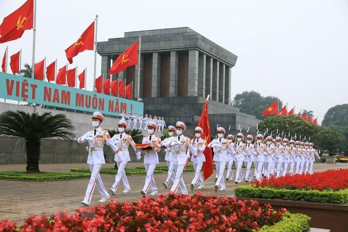 Le thuong co tren quang truong Ba Dinh ky niem 45 nam thong nhat-Hinh-11
