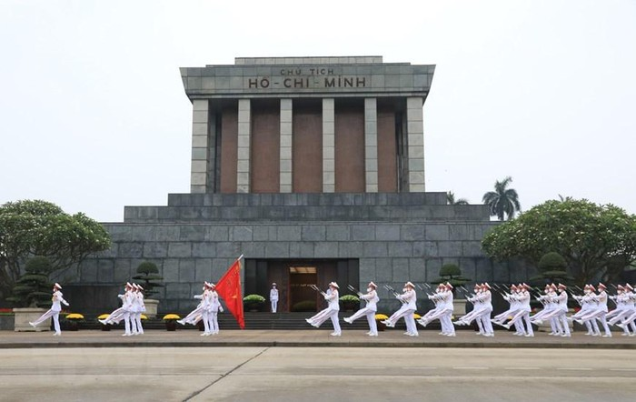 Le thuong co tren quang truong Ba Dinh ky niem 45 nam thong nhat-Hinh-12
