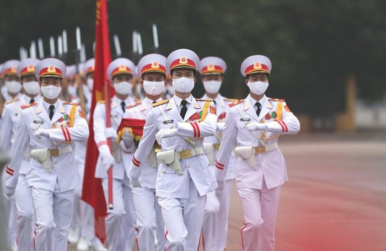 Le thuong co tren quang truong Ba Dinh ky niem 45 nam thong nhat-Hinh-3
