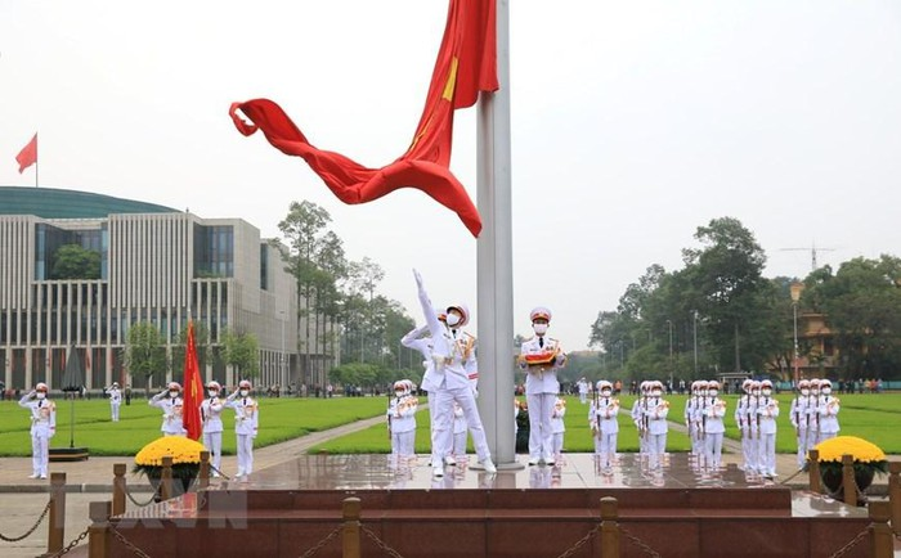 Le thuong co tren quang truong Ba Dinh ky niem 45 nam thong nhat-Hinh-8