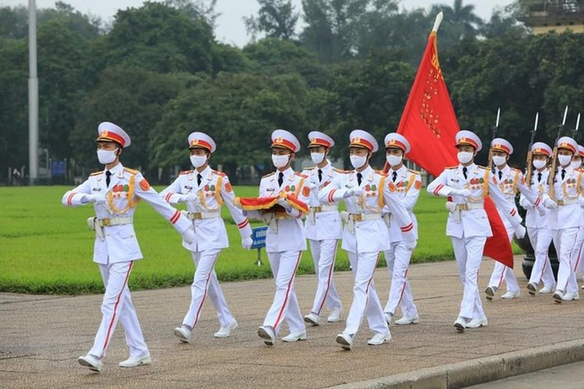 Le thuong co tren quang truong Ba Dinh ky niem 45 nam thong nhat-Hinh-9