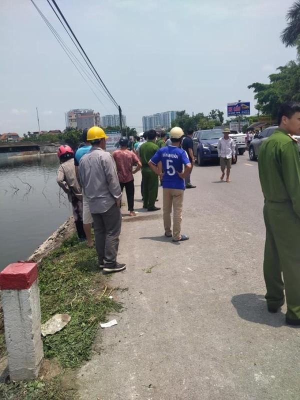Phat hien thi the co gai cung chiec xe may bi bien dang duoi ao-Hinh-5