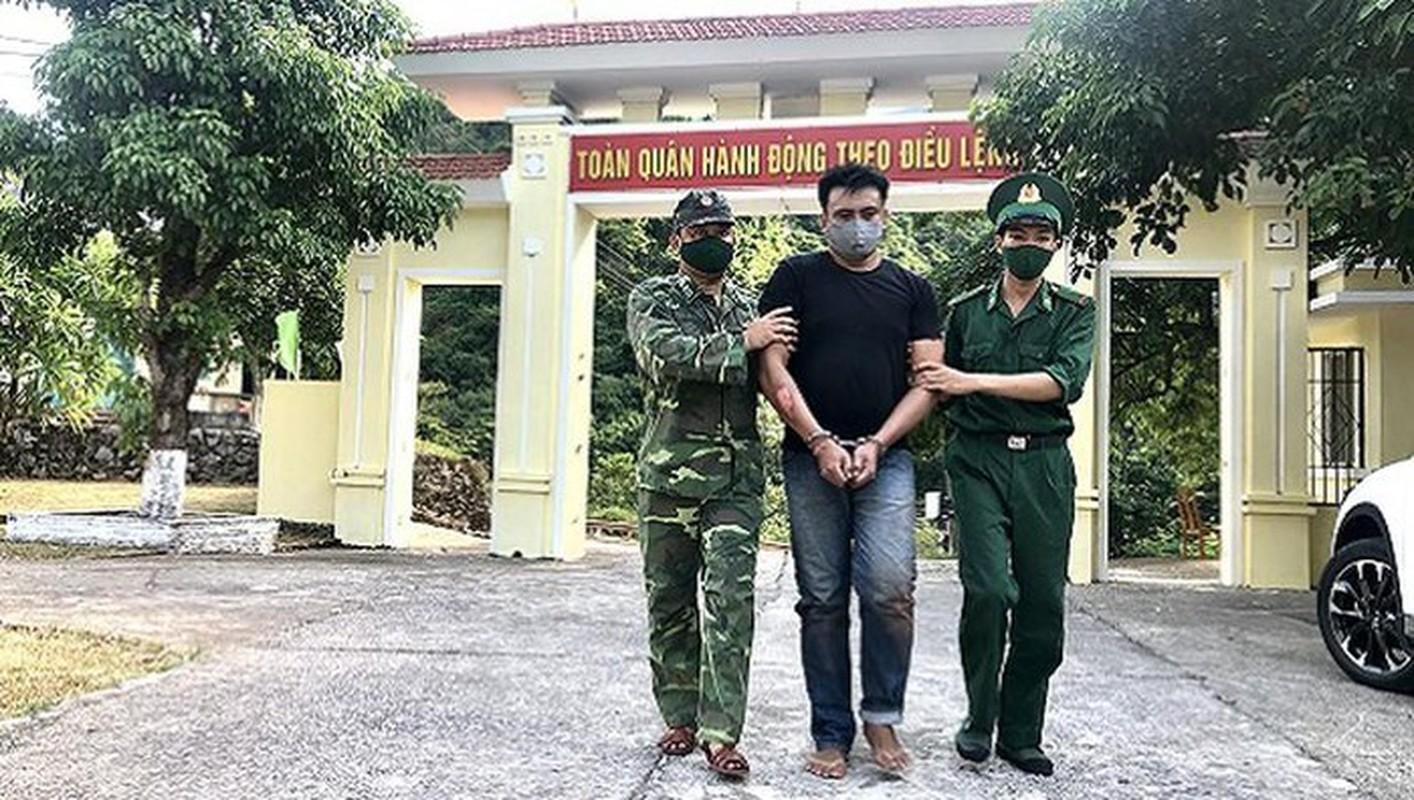 Can canh bo doi Bien phong xuat chieu quat nga doi tuong buon ma tuy-Hinh-4