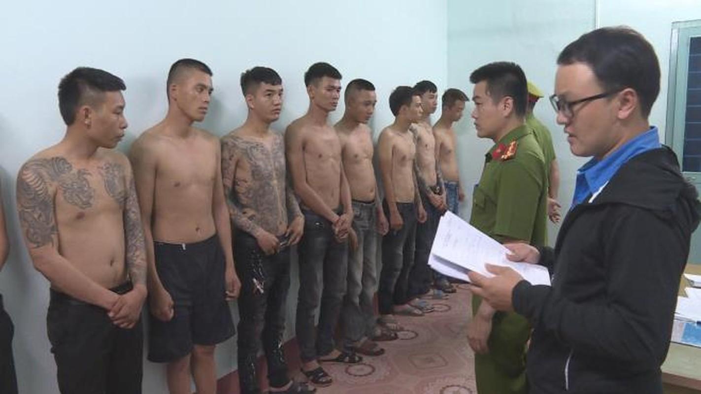 "Tin nong ngay 25/7: Lua ""chay"" truong cong an, chiem doat hang ty dong-Hinh-4"