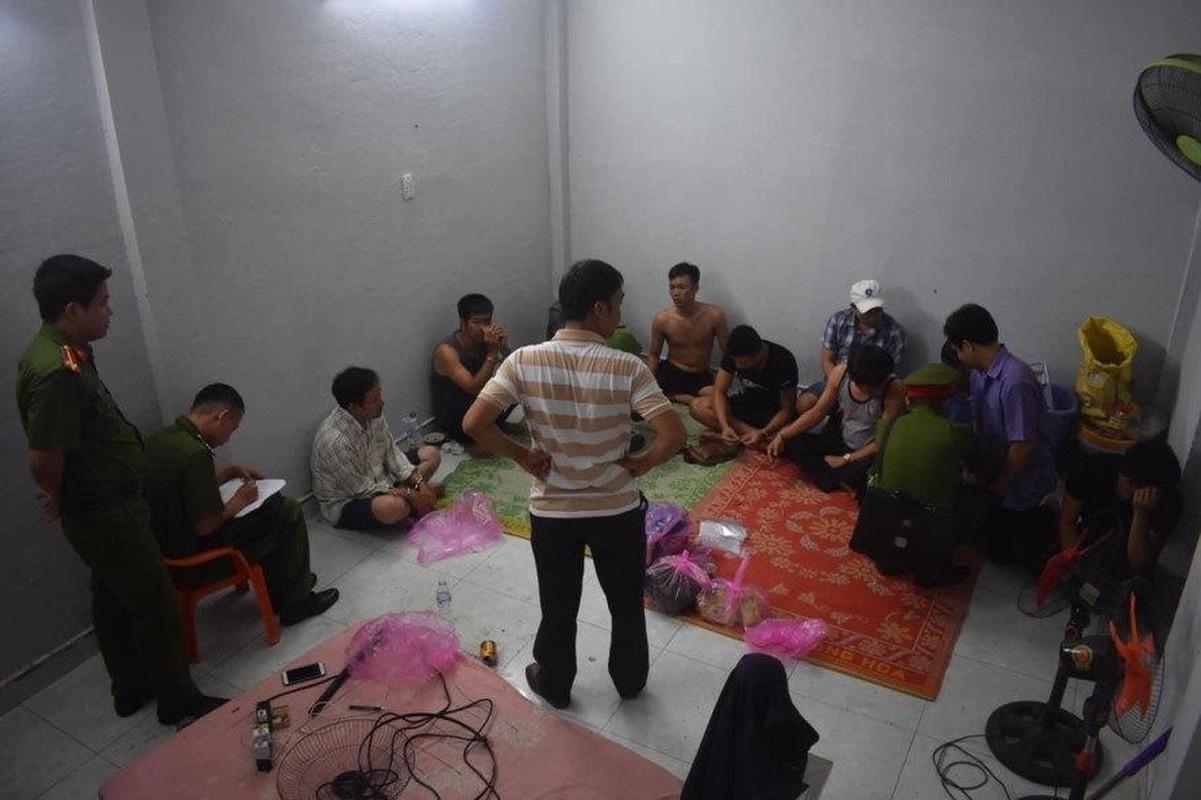"Khoi to PGD Trung tam dau gia Thai Binh: Beu ten ""quan"" bay ghe vi co bac-Hinh-7"