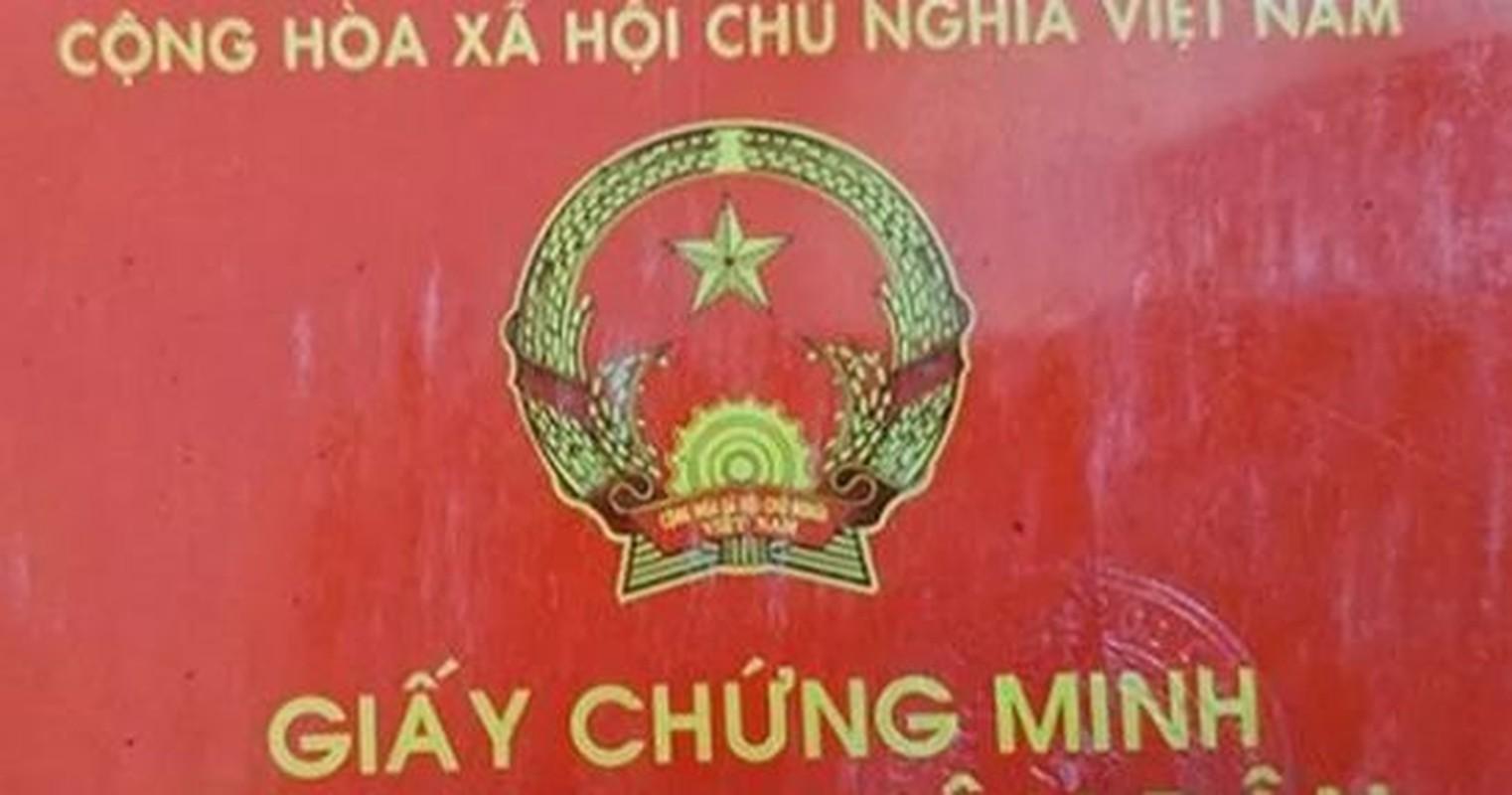 Dang buon nhung can bo cong an bi tuoc quan tich do vi pham-Hinh-2