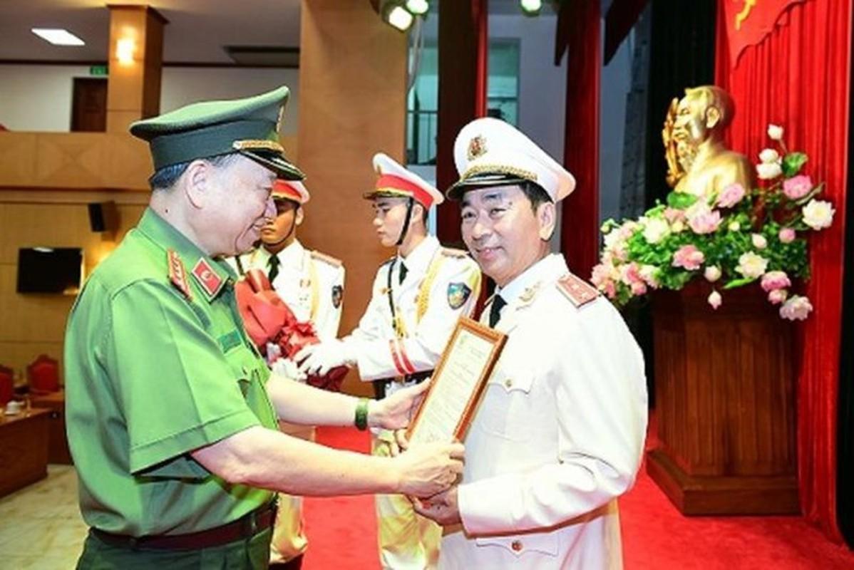 Thu truong Tran Quoc To duoc thang cap bac ham Trung tuong