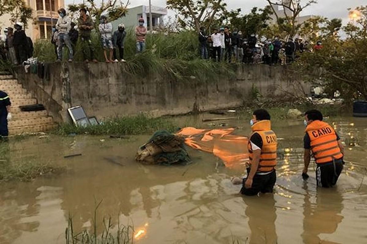"""Tin nong ngay 11/12: Lo gia ve """"dong thac loan"""" dong tinh nam-Hinh-7"""