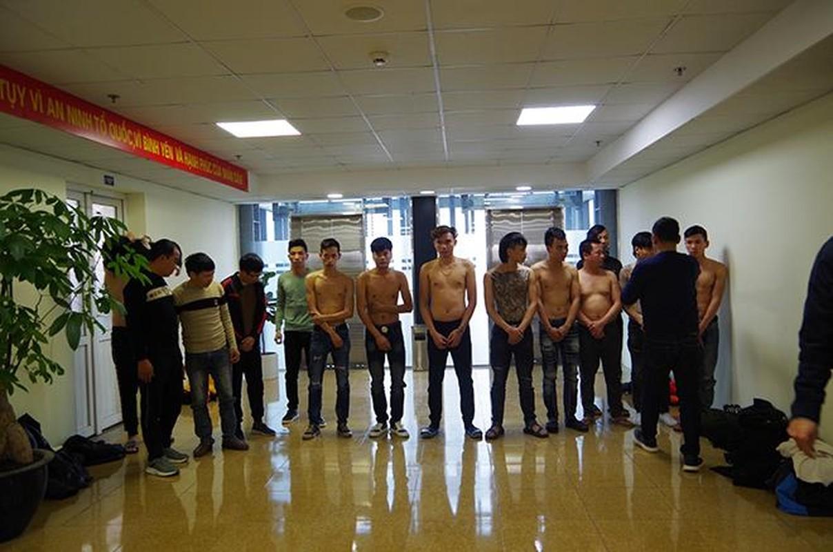 Tin nong ngay 17/1: Bo va con gai 10 thang tu vong trong nha tam-Hinh-7