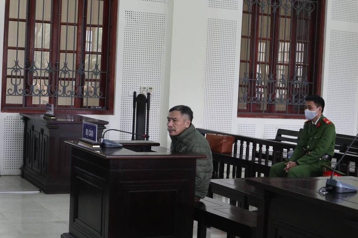 Tin nong ngay 21/1: Khong xin duoc tien, chong bo thuoc chuot dau doc vo
