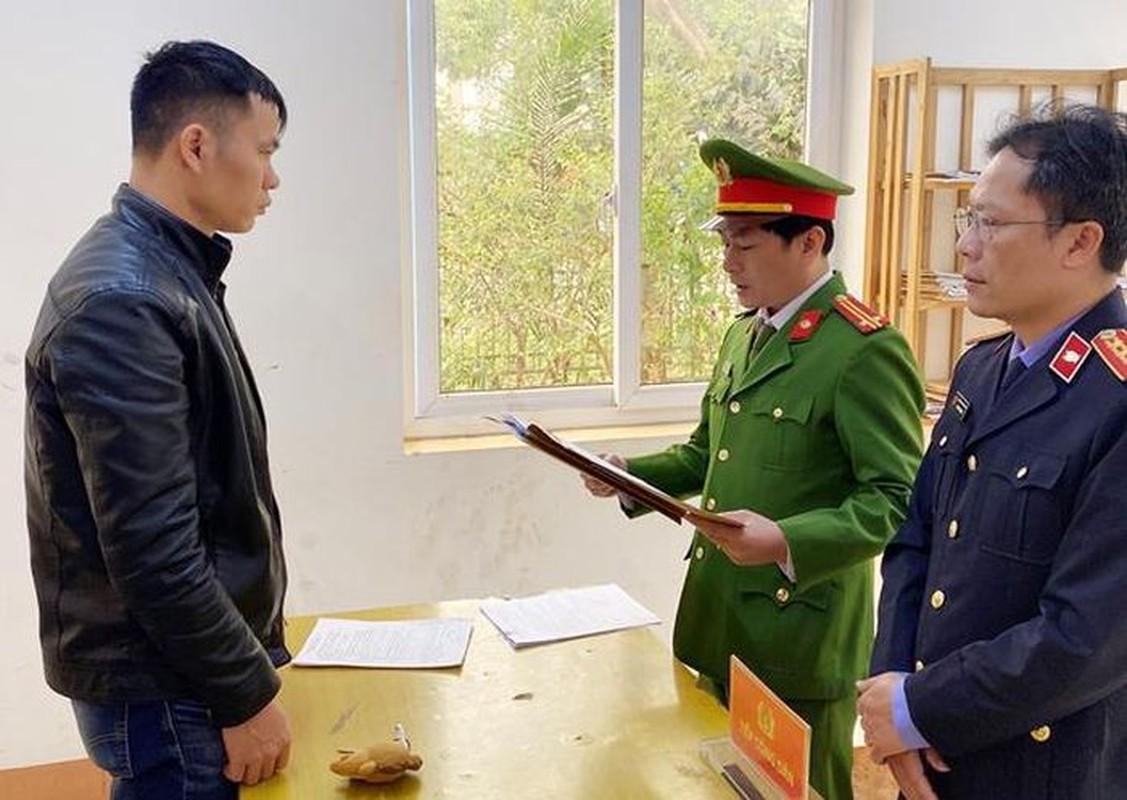 """Tin nong ngay 26/1: """"Ma men"""" phe ma tuy, tan cong tai xe taxi cuop o to-Hinh-5"""