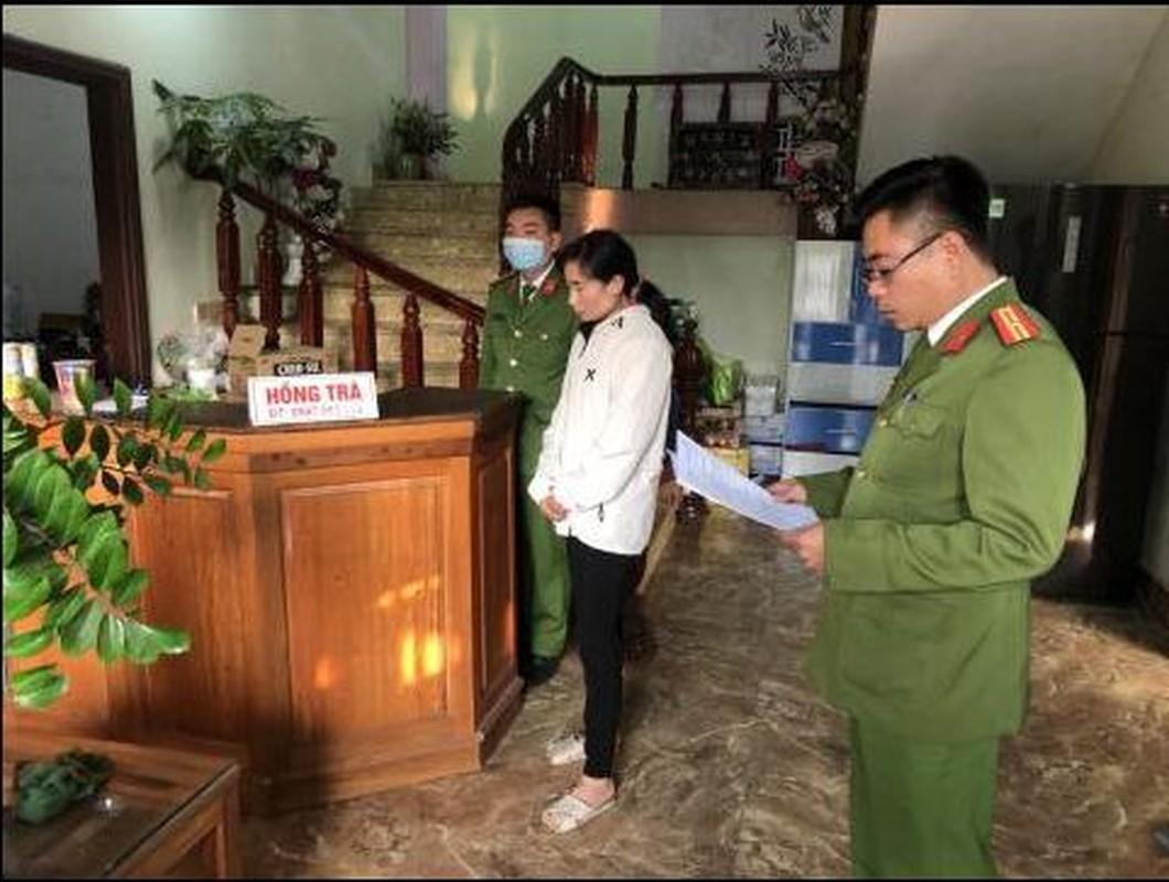 "Tin nong ngay 27/1: ""Giai cuu vo"", chong vac dao chem cong an-Hinh-2"