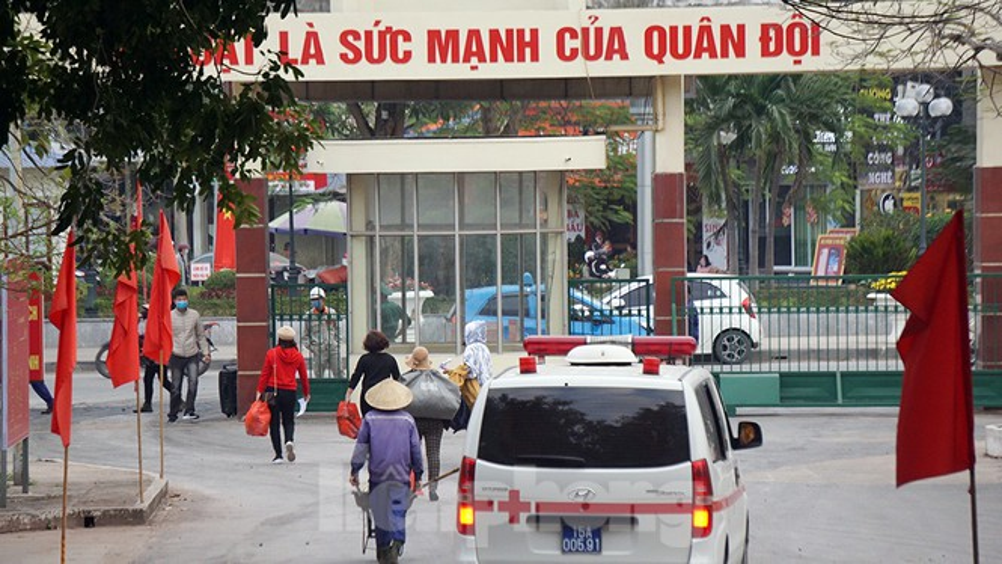 Nguoi dan Hai Phong vo oa niem vui hoan tat cach ly, ve nha an Tet-Hinh-12
