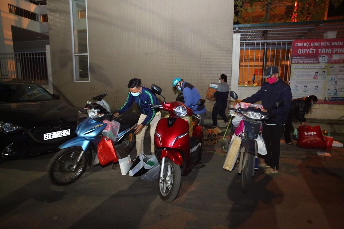 15 hoc sinh Tieu hoc Xuan Phuong roi khu cach ly, ve nha don Tet-Hinh-9