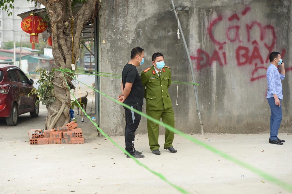 Dang hat karaoke 1 nguoi cam dao dam chem loan xa, 3 nguoi chet-Hinh-6