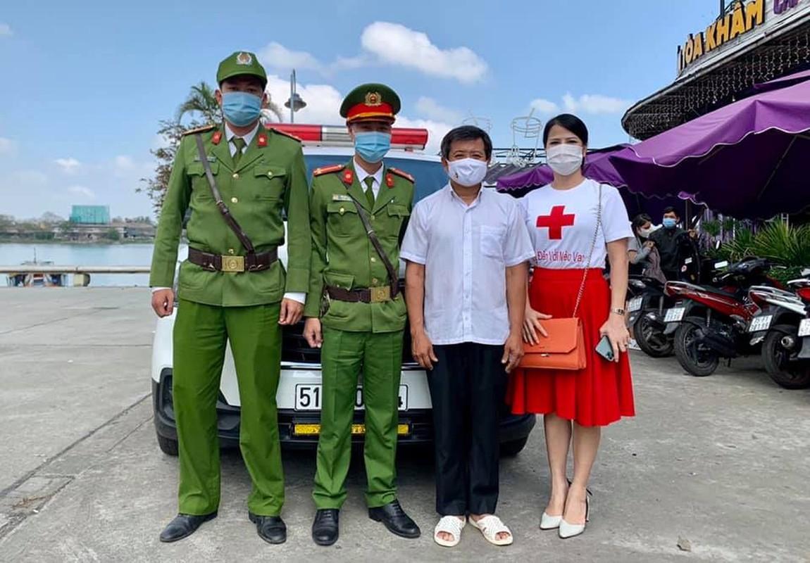 Xuc dong canh ong Doan Ngoc Hai lam phuc vu de quyen tien tu thien-Hinh-13